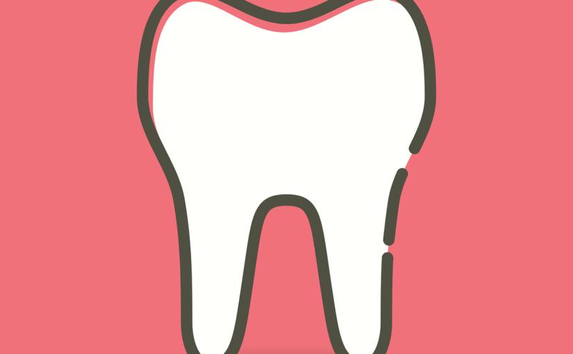 Przepiękne nienaganne zęby także świetny uroczy uśmiech to powód do dumy.