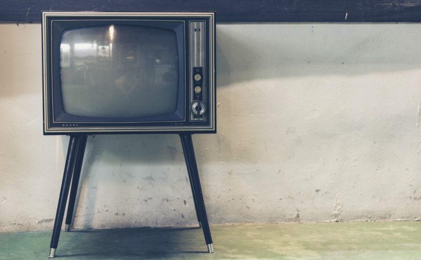 Rodzinny odetchnięcie przed telewizorem, lub niedzielne serialowe popołudnie, umila nam czas wolny oraz pozwala się zrelaksować.